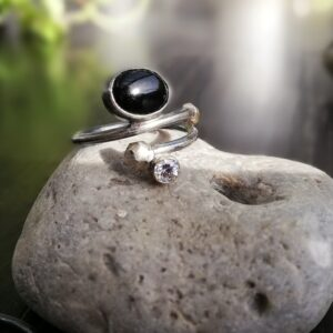 Onyx spiral ring